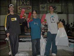Pódium do amador 1: Rafael Pingo (terceiro), Danilo Cerezini (segundo) e Willian Secco (primeiro).