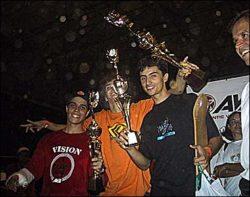 Pódium dos amadores: Yellow (segundo), Flavinho (primeiro) e Samuel (terceiro).