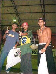 Pódio dos amadores Michel Pereira (segundo colocado), Xande (primeiro colocado) e Aron (terceiro col