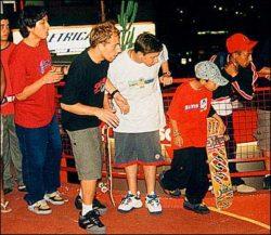 Hiroshi, Sleiman, Gui e Tiago acompanham todas as tentativas dos participantes.