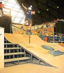 Daniel Haney, frontside boardslide