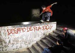 I Desafio de Rua (borda): Pregueiro só conseguiu acertar este flip noseslide no último minuto.
