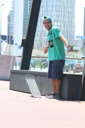 Roger Silva e o skate mágico no Fórum, Barcelona (foto- R. K-b-ça)