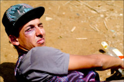 Vanderlei Arame encenando- Foto: Allan Carvalho