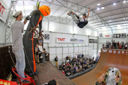 Augusto Akio (PR) FS Air (Foto: Júlio Detefon)