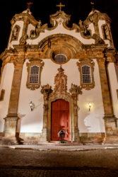Francisco de Assis (Tito) - Manobra: SS Heelflip - Foto: Diogo Andrade - Local: Igreja Nossa Senhora do Carmo, São João Del Rei (MG)
