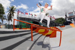 Roos Zwetsloo - Fs smith - Foto: Julio Detefon