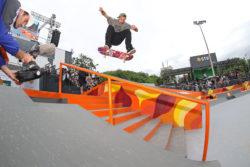 Ryan Decenzo: Flip fs boardslide. Foto: Julio Detefon