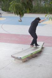 Pipa Souza, nose manual suave contornando a curva (foto Allan Carvalho)